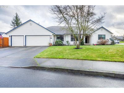 Canby Single Family Home Pending: 489 NE 16th Ave