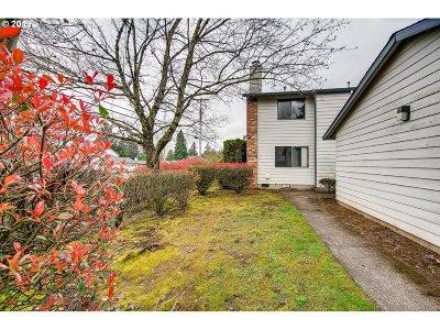 Single Family Home For Sale: 11951 SE Holgate Blvd