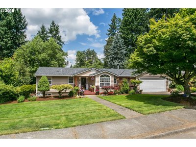 Lake Oswego Single Family Home For Sale: 1771 Campus Way