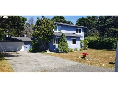 Gold Beach OR Single Family Home For Sale: $365,000