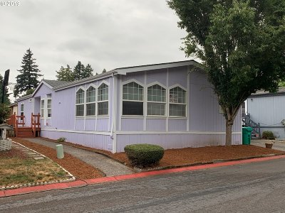 Portland Single Family Home For Sale: 15768 SE Powell Blvd #40