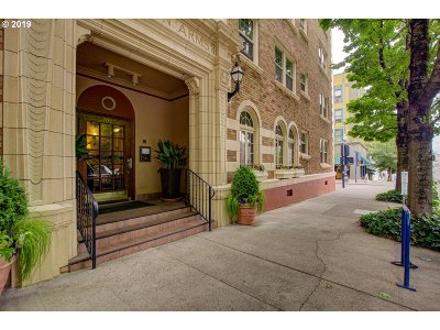 Portland Condo/Townhouse For Sale: 709 SW 16th Ave #309