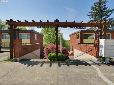 Portland Condo/Townhouse For Sale: 1025 NE 68th Ave