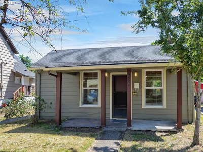 Single Family Home For Sale: 5924 N Michigan Ave