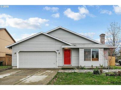 Hillsboro Single Family Home For Sale: 817 SE 68th Pl