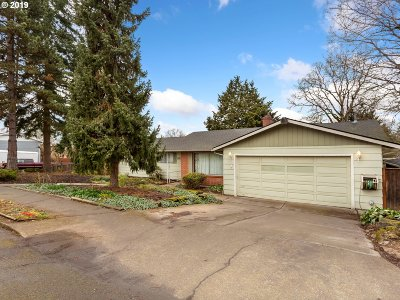 Milwaukie, Gladstone Single Family Home For Sale: 1600 Columbia Ave