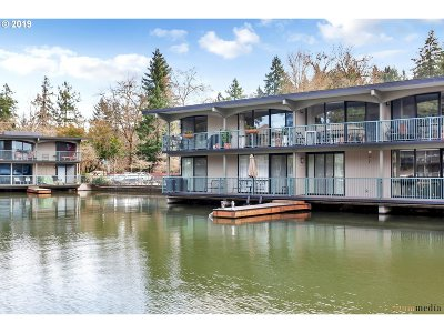 Lake Oswego Condo/Townhouse For Sale: 668 McVey Ave #36
