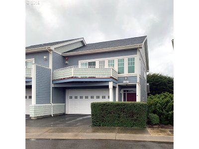 Bandon Single Family Home For Sale: 1387 Village Loop