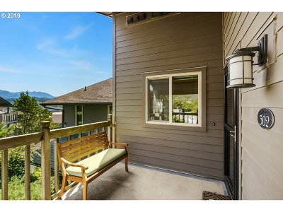 Cannon Beach Condo/Townhouse For Sale: 302 Breakers Point Condo #302