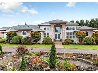 Hillsboro Single Family Home For Sale: 6220 NE Pubols St