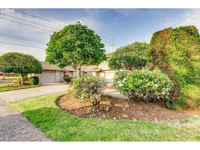 Clackamas County, Multnomah County, Washington County Multi Family Home For Sale: 3940 NE 149th Ave