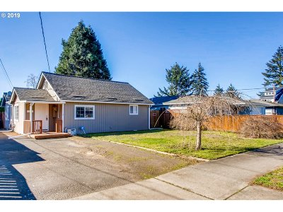 Single Family Home For Sale: 6924 SE Tenino St