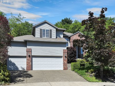 Portland Single Family Home For Sale: 9837 NW Brie Ct