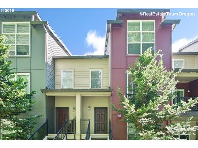 Beaverton Condo/Townhouse For Sale: 1906 NW Cadbury Ave #213