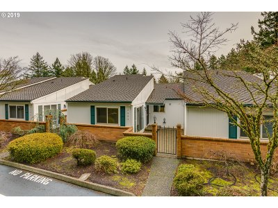 West Linn Condo/Townhouse For Sale: 2604 Pimlico Ter