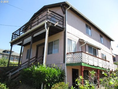 Coos Bay Single Family Home For Sale: 1250 S 10th