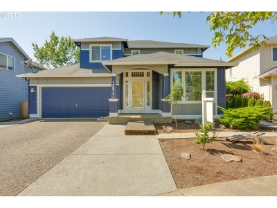 Clackamas OR Single Family Home For Sale: $425,000