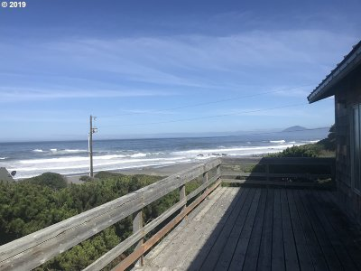 Gold Beach OR Single Family Home For Sale: $475,000