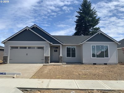 Clackamas County Single Family Home For Sale: 2297 SE 11th Ave #Lot49