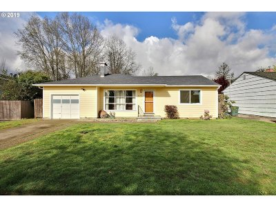 Beaverton Single Family Home For Sale: 4775 SW Larch Dr