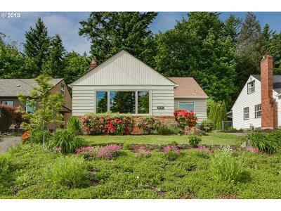 Portland Single Family Home For Sale: 8741 NE Beech St