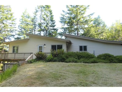 Gold Beach Single Family Home For Sale: 95175 Marchmont Rd