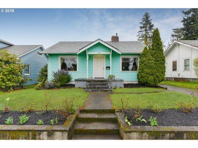 Single Family Home For Sale: 7236 N Fenwick Ave