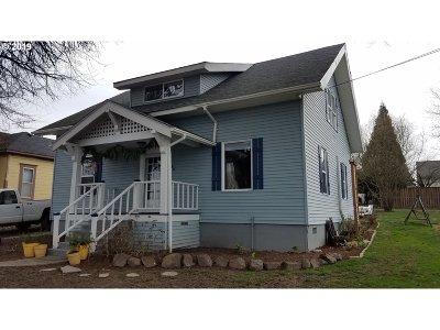 Single Family Home For Sale: 540 N Yamhill St