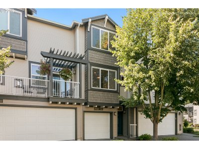 Beaverton, Aloha Condo/Townhouse For Sale: 13900 SW Scholls Ferry Rd #102