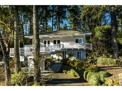 Clackamas County Single Family Home For Sale: 550 Middlecrest Rd