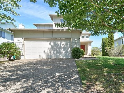 Portland Single Family Home For Sale: 15629 NW Energia St