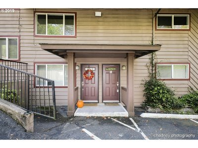 Portland OR Condo/Townhouse For Sale: $220,000