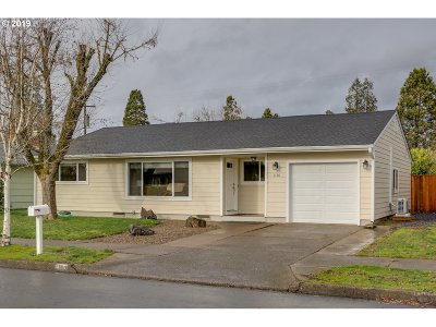 Single Family Home For Sale: 1190 Quinalt St