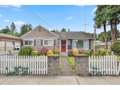 Cowlitz County Single Family Home For Sale: 806 N Kelso Ave