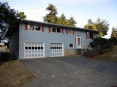 Coos Bay Single Family Home For Sale: 1160 Oakway Dr