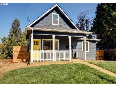 Portland Single Family Home For Sale: 8227 N Hartman St