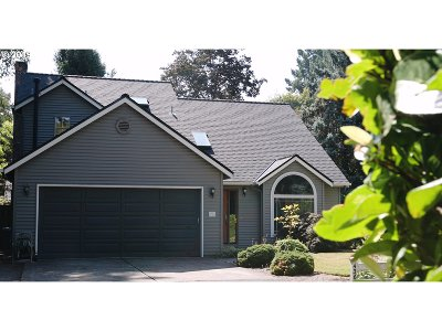 Clackamas County Single Family Home For Sale: 4366 Sunset Dr
