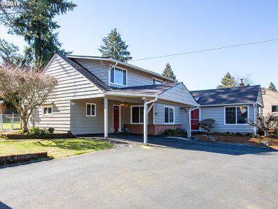 Hillsboro Single Family Home For Sale: 2240 SE Maple St