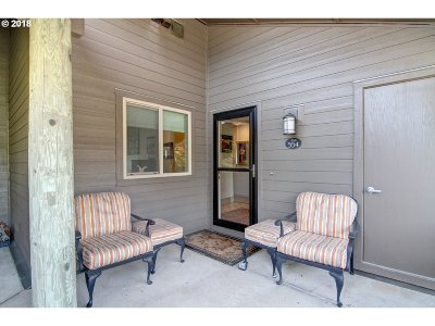 Cannon Beach Condo/Townhouse For Sale: 554 Breakers Point Condo