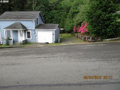 Coos Bay Single Family Home For Sale: 1685 N 8th
