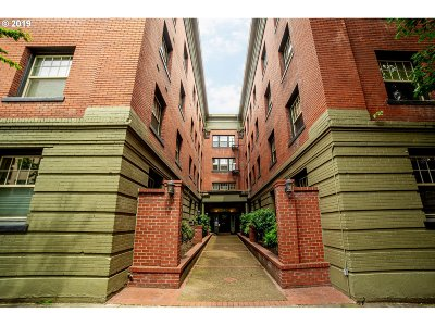 Portland Condo/Townhouse For Sale: 2109 NW Irving St #410