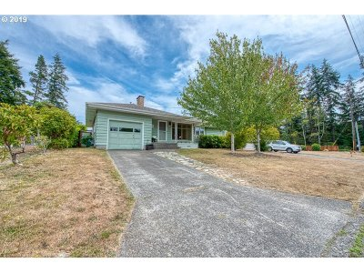 Coos Bay Single Family Home For Sale: 1534 N 20th St