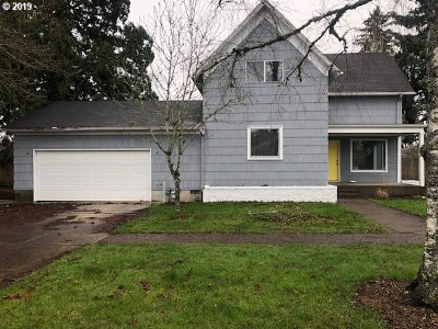 Newberg Single Family Home For Sale: 902 E 6th St