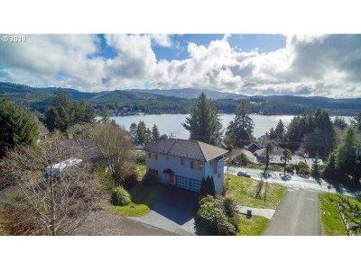 Lincoln City Single Family Home For Sale: 1695 NE Regatta Way