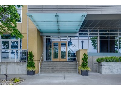 Portland Condo/Townhouse For Sale: 836 SW Curry St #406