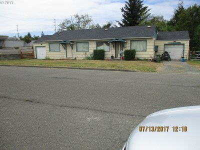 Coos Bay Multi Family Home For Sale: 154 N Schoneman
