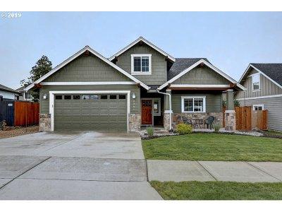 Bend Single Family Home For Sale: 2243 NE Indigo Ln