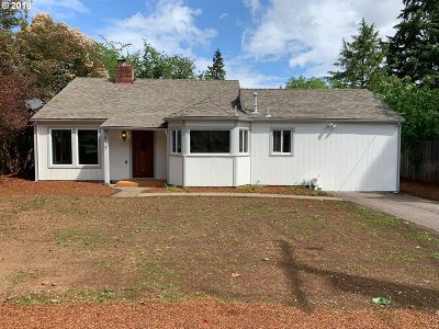 Salem Single Family Home For Sale: 677 Browning Ave