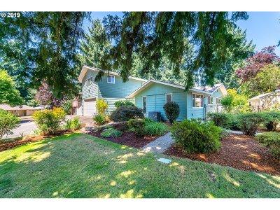 Sherwood Single Family Home For Sale: 16555 SW Gleneagle Dr