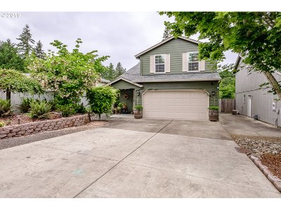 Salem Single Family Home For Sale: 711 Mimosa St